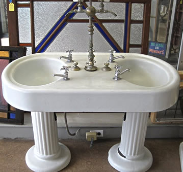 Elegant Antique Bath Products Available At Restoration Resources: Sinks, Tubs,  Towel Bars, Medicine